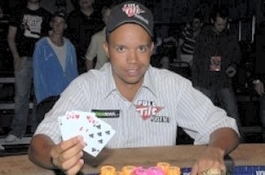 Phil Ivey holt sich bei Event #8 der World Series Of Poker sein sechstes Bracelet