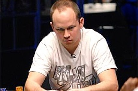 2009 WSOP: John Monnette Tops Final 17 in Omaha Hi/Lo #18