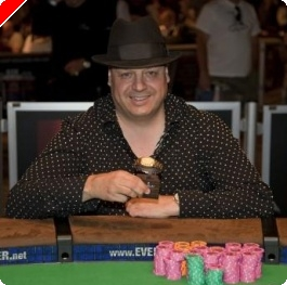 "WSOP 2009: Lisandro Ganhou Bracelete e Completa a ""Stud Triple Crown"""
