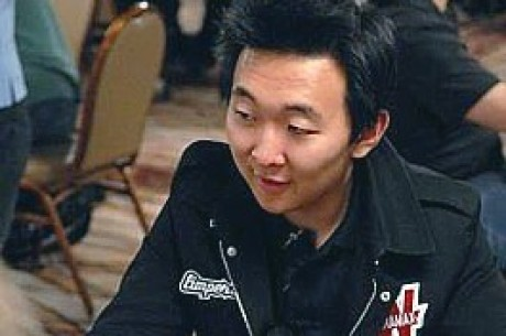 2009 WSOP: Matthews Takes Early Lead in #56 NLHE Six-Handed
