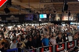2009年 WSOP: デイ1D Advance Sellout Leaves Hundreds Out of Main Event