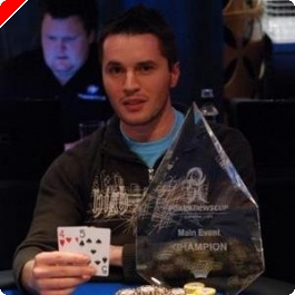 Main Event PokerNews Cup: Con Tsapkounis Victorioso!