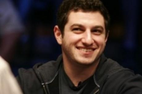 Покер БЛИЦ: Съмнения за измама, пързалка в дома на Phil...