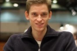 Jan Škampa chipleaderem na finálovém stole EPT Praha