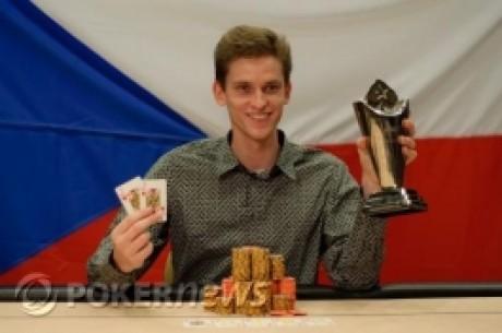 European Poker Tour Prague: Jan Skampa получает трофей, наличные и...