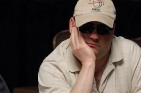 WPT turnyras - prie stalų vėluojantys profesionalai, Mizzis laužo tūzus