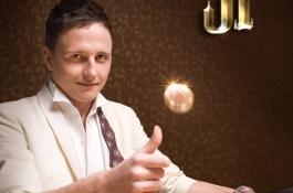2009 nagy eseménye: Traply 'Bélabácsi' Péter megnyerte az első magyar karkötőt