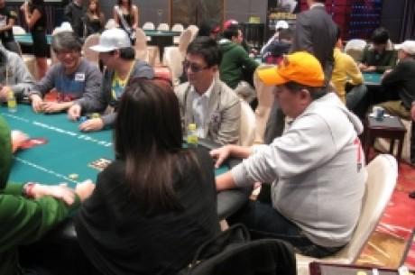 最终10位玩家将于明天决逐亚洲扑克王大赛的桂冠