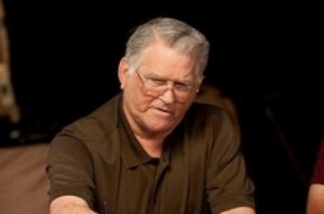 T.J. Cloutier põe à venda Bracelete das WSOP 2005