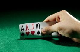 Как да играем чифт Аса в Пот-лимит Омаха