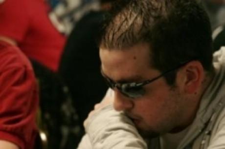 """Strategie kradení blindů v turnajích se Steve """"gboro780"""" Grossem"""