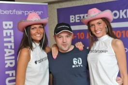Славен Попов е чип лидер след първия ден на Betfair Poker...