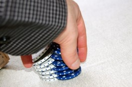 Покер блог: Защо да правим трикове с чиповете?