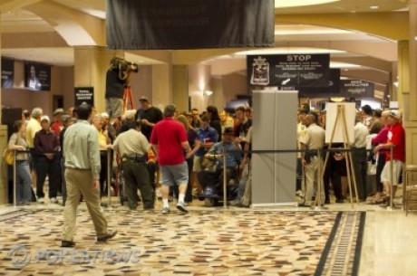 2010 World Series of Poker, Día 39: Comenzó el Evento Principal & Resultados del Evento...