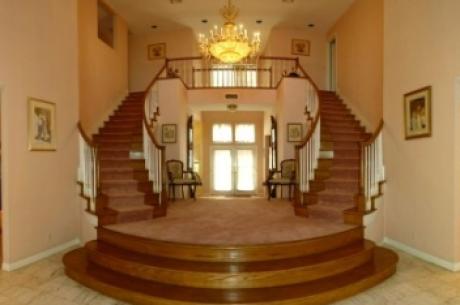 Domy v Las Vegas: Corporate Mansions