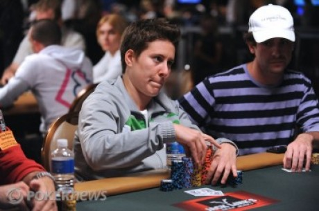 2010 World Series of Poker, Día 43: Assouline delante & Collopy y Selbst cerca