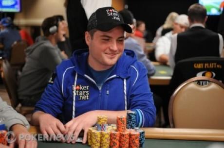 2010 World Series of Poker, Día 44: James Carroll conserva el liderazgo & Johnny Chan...