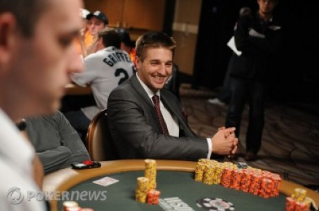 2010 World Series of Poker, Día 45: Tony Dunst lidera y apunta a los November Nine