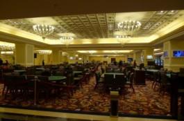 適切なフィリピンが進行中になるとともに、ポーカー熱狂は再びマニラ...