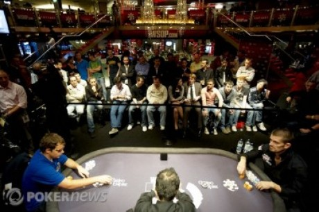 2010 WSOPE Event #4, Den 3: Hansen a Collopy bojují o titul, hra odložena kvůli Main Eventu