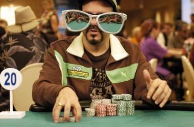 Üzletembereket tanítanak blöffölni a pókersztárok