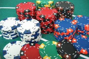 Stratégie poker : évaluer la rentabilité d'un 4-bet bluff en cash game