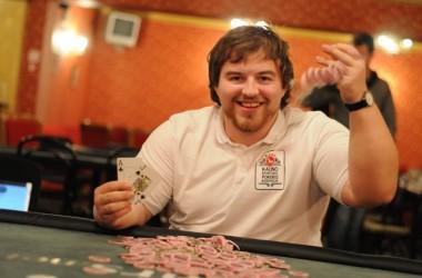 """""""Begalybė"""" papildė pasaulinės """"PokerNews Strategy"""" mokyklos komandą"""