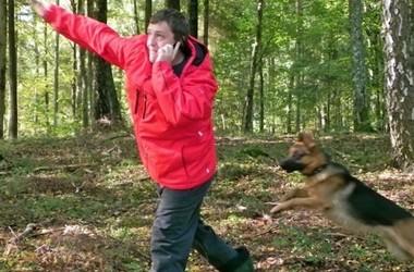 Tony G kavatseb osta Eastgate'i käevõru oma koerale