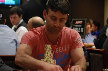 2010 PokerStars.net APPT Sydney Day 2: Vakili Leads Final 32