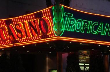 Andy Vajna 750 millióért eladja az államnak a Tropicana Casinót!
