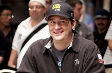 Phil Hellmuth's Hold'em with HospiceCare