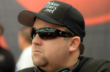 2011 PokerStars Caribbean Adventure: Moneymaker går for en ny tittel