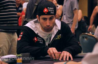 Джонатан Дюамел с емблема Team PokerStars Pro