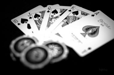 Ne visai rimtai: įžymybės pokeryje