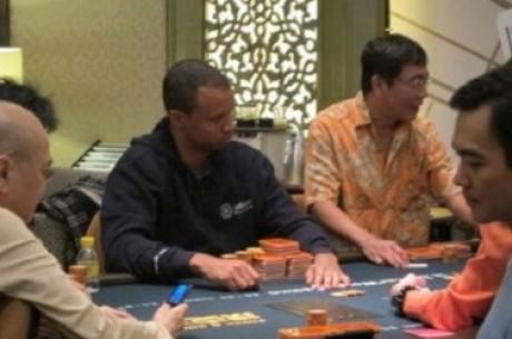 Phil Ivey je zpět v Macau