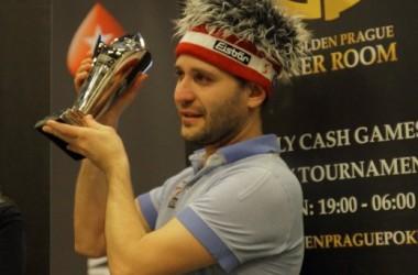 Full Tilt Poker 的 Roberto Romanello 在 2010 年 EPT 布拉格站主赛事中夺冠
