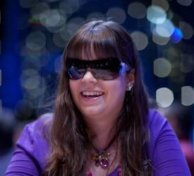 Annette Obrestad potpisuje za Full Tilt Poker