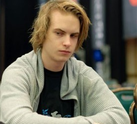 PokerStars SuperStar Showdown - Blom pobedio Catesa