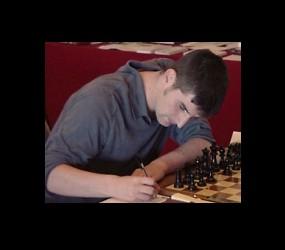 Šah majstor u ulozi PokerStars Elite