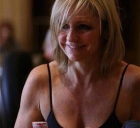 Jennifer Harman, Pro Full Tilta, donira 1% svoje zarade u dobrotvorne svrhe