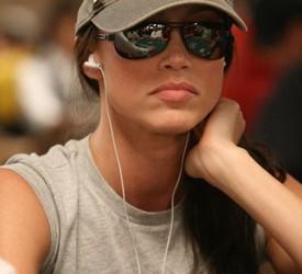 Shannon Elizabeth vara poker igrače?