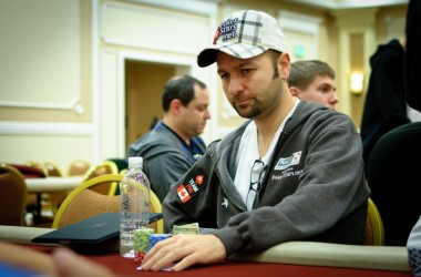 The Big Event Main Event Day 1b: Hart Leads, Negreanu Headlines