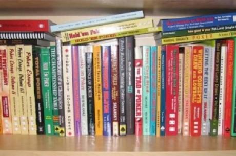 Книжная полка: Писания Фила Хельмута и библия от Ли...