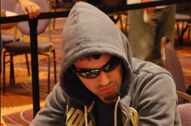 WSOP-Circuit Harrah's St. Louis Day 2: Cartwright Monster Chip Leader at Final Table