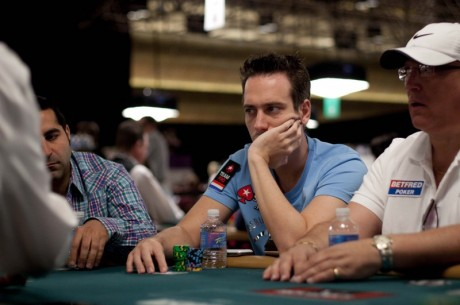 WSOP Evento #20: Doug Lang Lidera & Raszi Renasceu das Cinzas