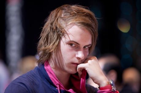 Viktor Blom tönkreverte Rui Caót is a SuperStar Showdownban