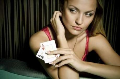 Poker niezbyt serio: piękne dziewczyny