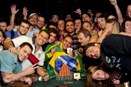 WSOP 2011 Dia 29: A Saga de Andre Akkari, Brasileiro e Campeão do Mundo