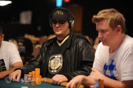 2011 World Series of Poker Day 15: O Hellmuth στην κορυφή του $50,000 Poker...