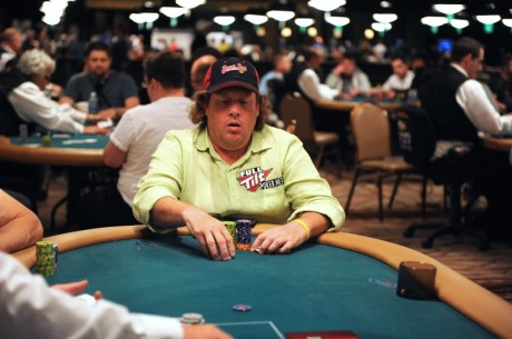 WSOP Evento #56: Gavin Smith na frente